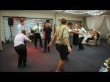 Женщины показывают как танцуют мужики , конкурс на свадьбе =D